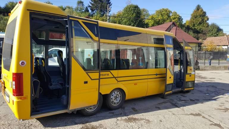 Două autobuze și un microbuz pentru S.C. Servicii Săcelene S.R.L.