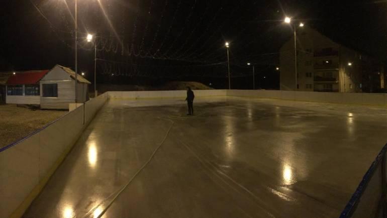 Programul patinoarului în aer liber din cartierul Ștefan cel Mare