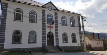 32 de clădiri ale unităților școlare din Săcele din 35 nu au nevoie de avizele PSI