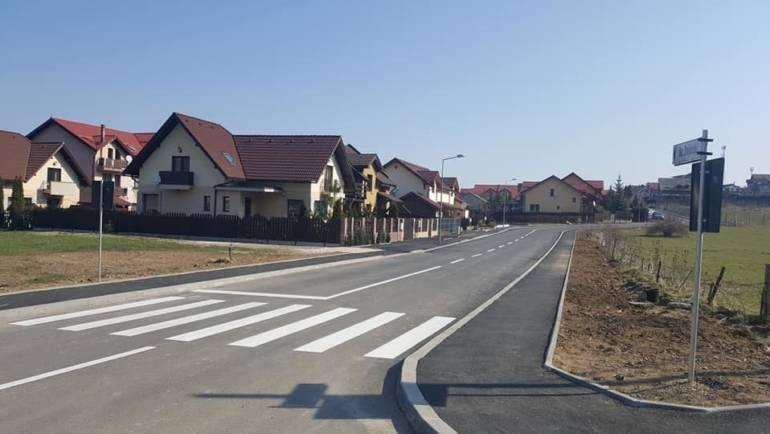 Anunț – licitație publică deschisă cu strigare, pentru vânzarea unor terenuri cu interdicție de construire