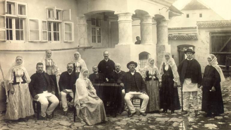 Simpozion cultural – Familia mocănească