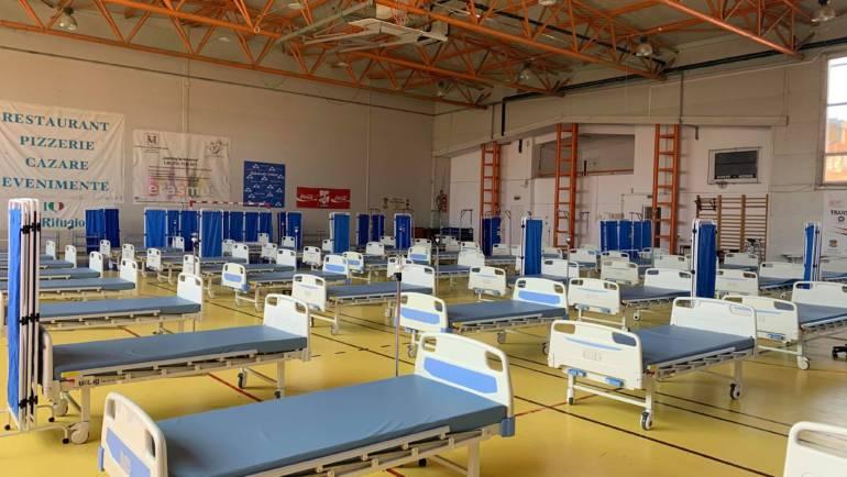 """Spital de campanie la Săcele, la Sala de Sport a Liceului """"G. Moroianu"""""""