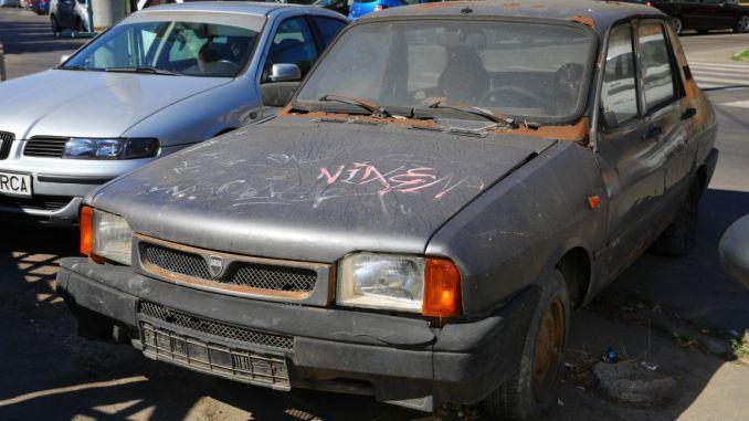 25 de vehicule abandonate au eliberat domeniul public